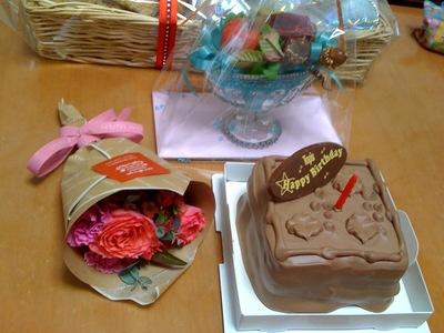 TOPSのバースデーチョコレートケーキ