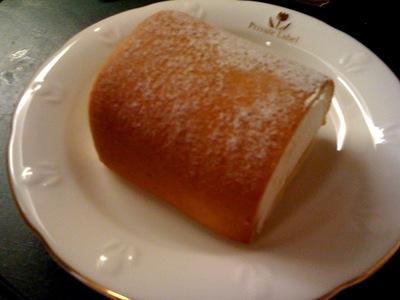 ミニストップ メープルスフレのロールケーキ